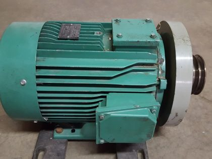 Main drive motor for HD three-knife trimmer