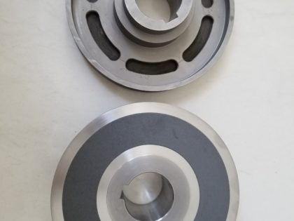 Support disc for main drive Three-knife trimmer